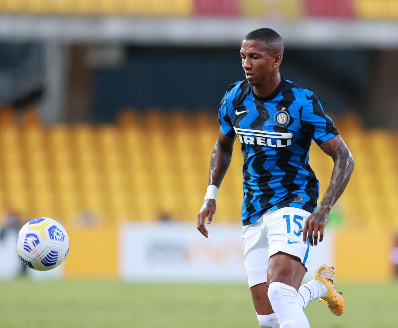 inter ashley young