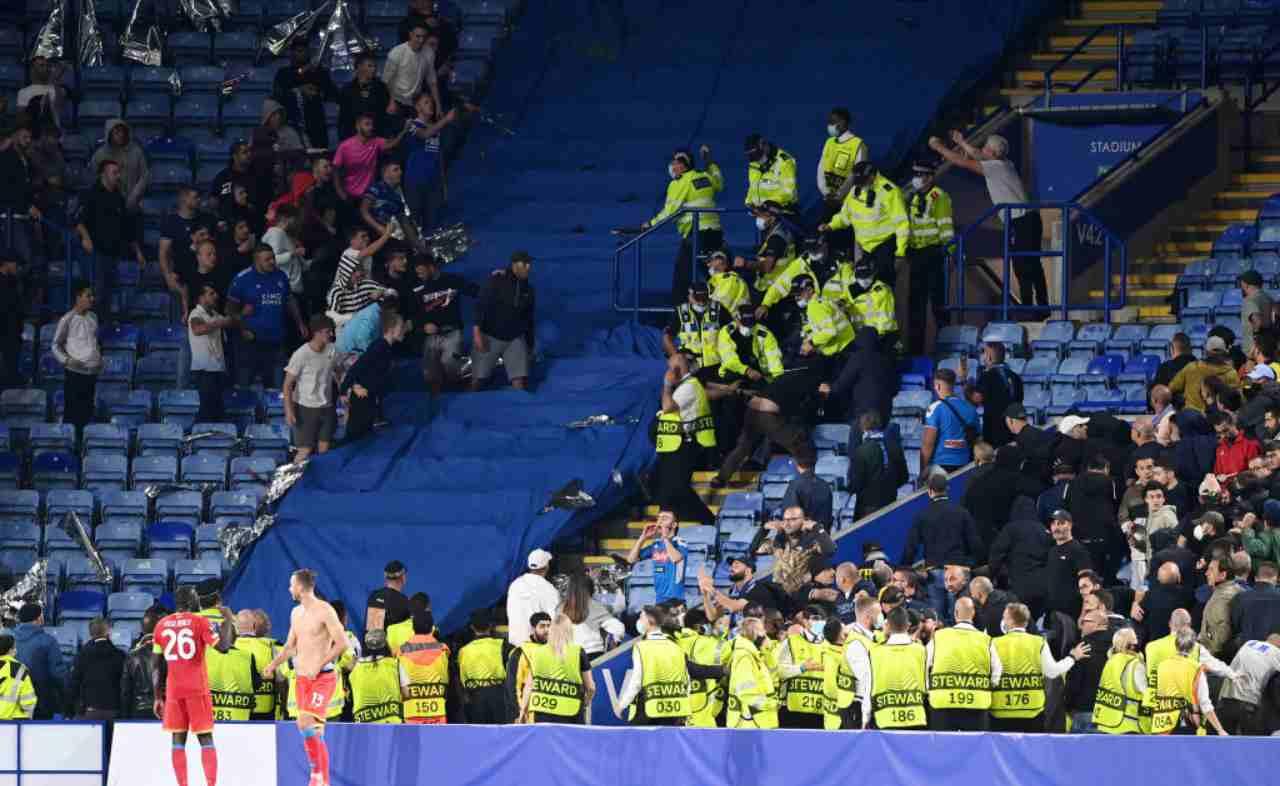 Rissa tifosi Leicester-Napoli: delirio a fine partita (FOTO)