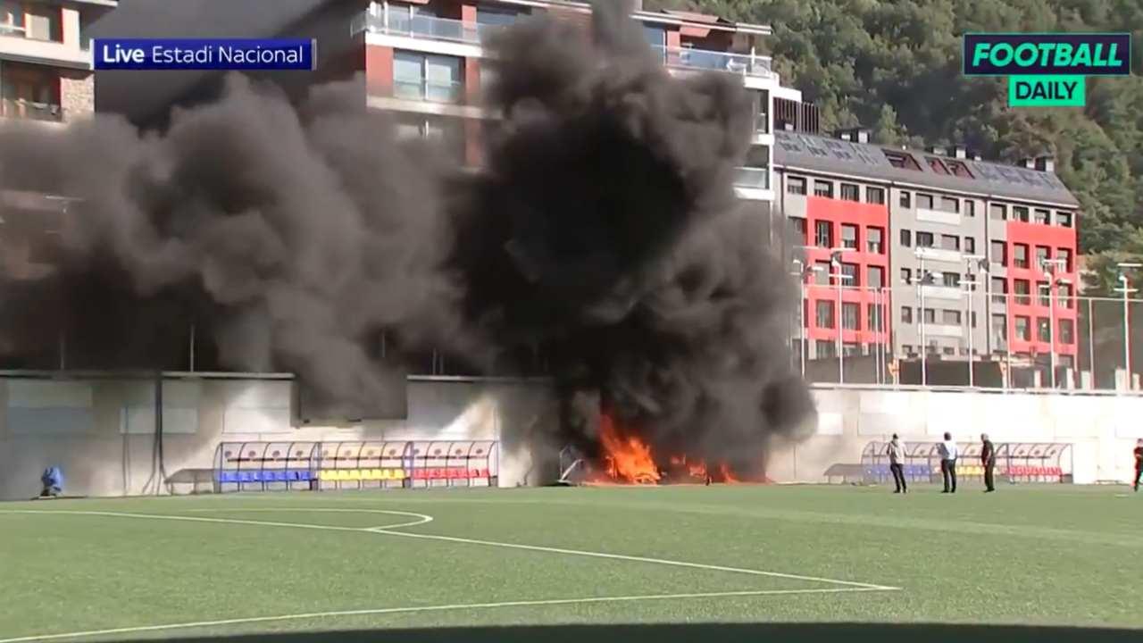 incendio stadio Andorra-Inghilterra